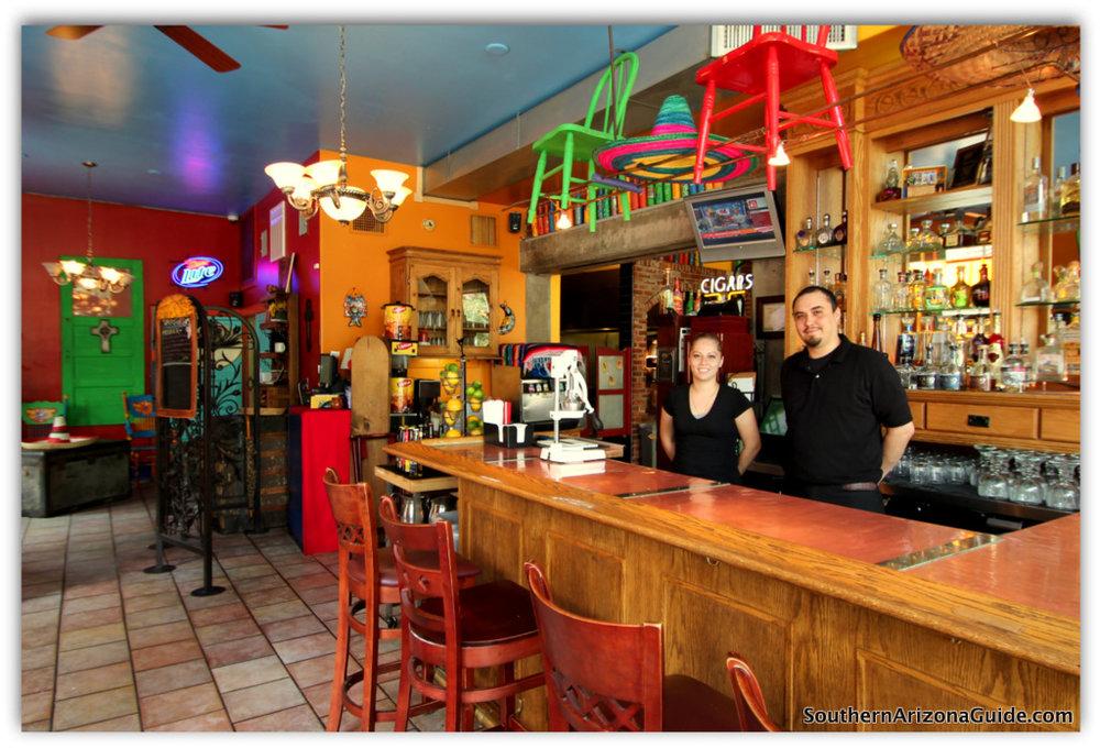 Santiago-Bartenders-Close.jpg