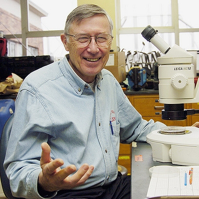 John Howieson  M.D. U. Kansas  Dr. Howieson, a retired physician, has never stopped learning, and continues to attend classes at Portland State. He is also a good friend of the lab and extremely generous patron of our research and the Biology department.