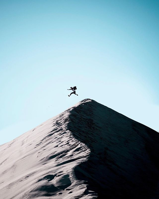 /In Pursuit of Flight/ Hike up giant sand dunes to just jump off of them is underrated. Also running down them until you tumble over is a comparable past time. Going to need to bring the skis back here ⛷ . . . . . #voyaged #exploretocreate #creativecommune #creativeculture #littlesahara #peoplecreatives #folkvibe #roamtheplanet #exploreutah #pictureline #travelstoke #welivetoexplore #natureonly #gramslayers #lensbible #forbiddenart