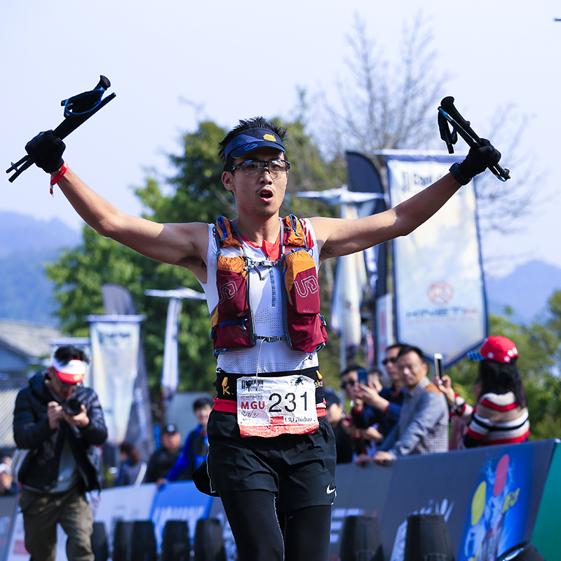Liu ZhiDuo刘知多 - 运动影像先锋人物,第一人称记录者兰卡威大铁获得铁人称号完赛高黎贡160公里组马拉松国家二级运动员。