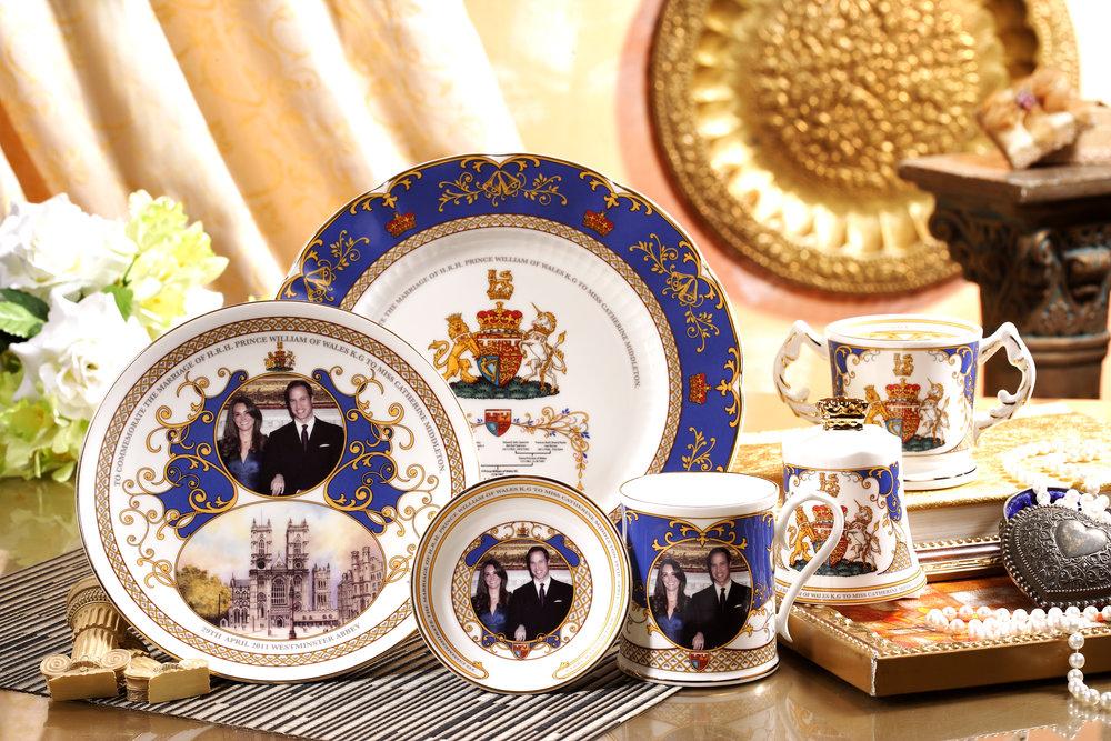 2011 英國威廉王子大婚瓷器(Aynsley)-Robert Huang黃騰輝 設計