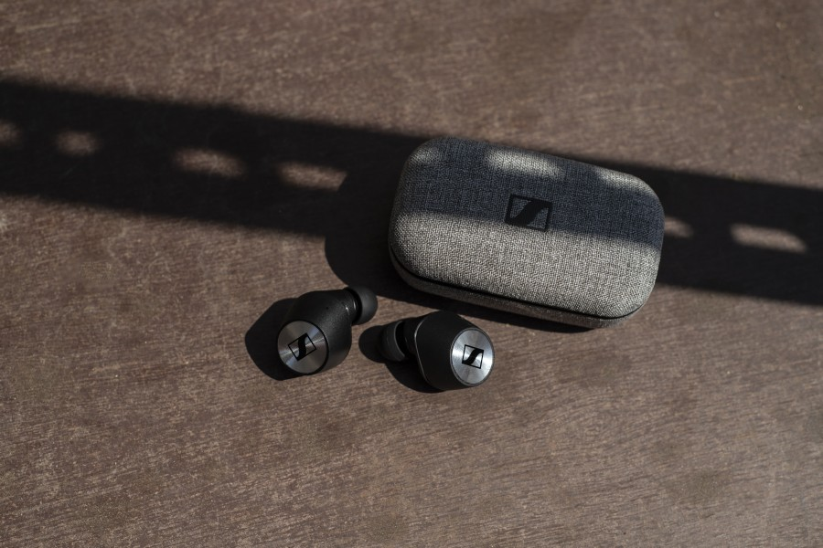 Sennheiser's new MOMENTUM True Wireless earphones set new standards for audio quality, with characteristic MOMENTUM style and comfort. -