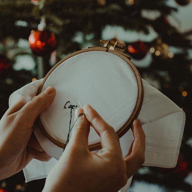 Pour être sûr de pouvoir glisser votre mouchoir sous le sapin, n'hésitez pas à commander avant le 18 décembre 🎁🎄