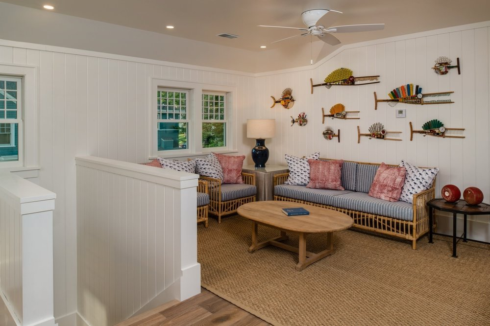 Charlevoix Fish Art Cottage -