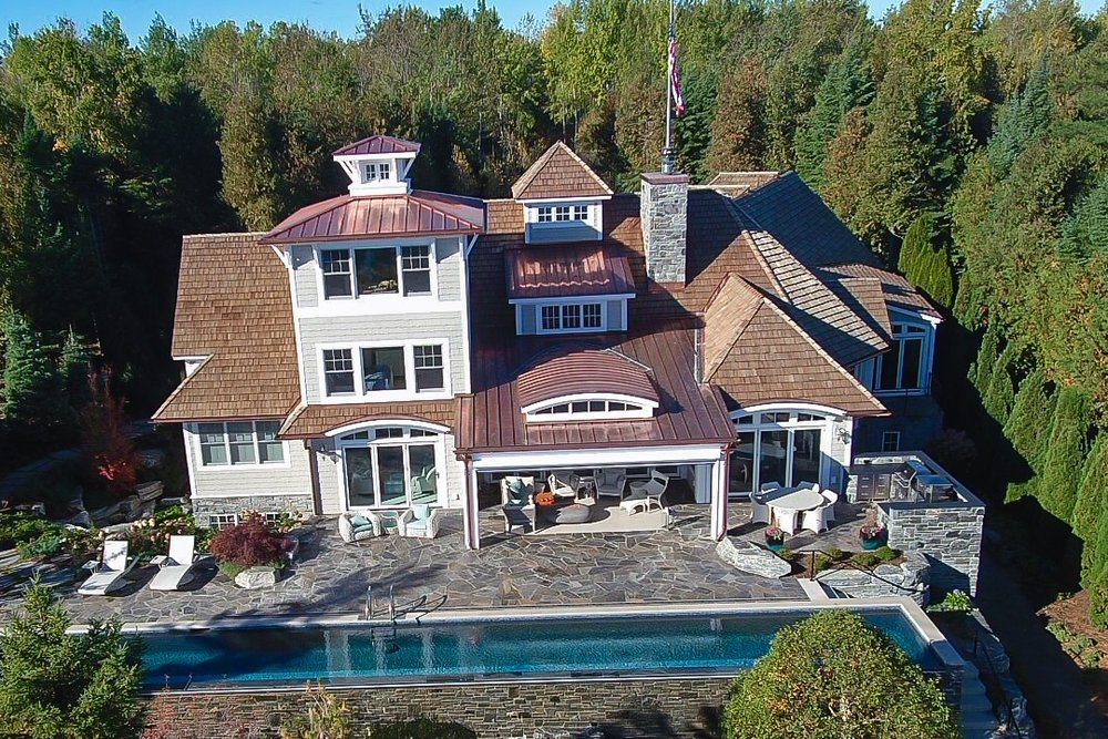 Lake Charlevoix Beachfront Infinity -