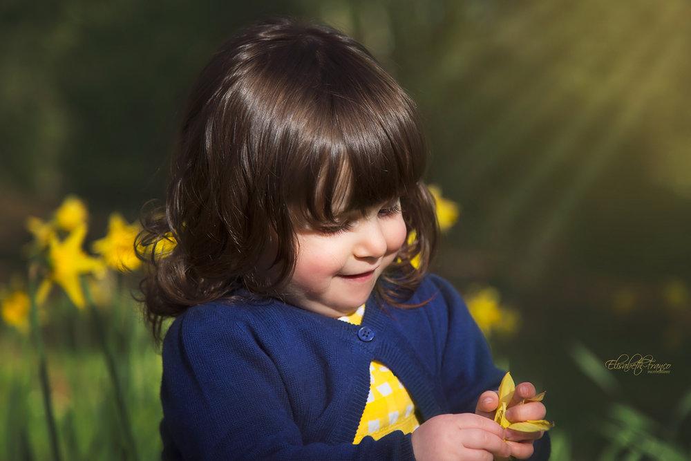 Outdoor children's photographer in Gloucester