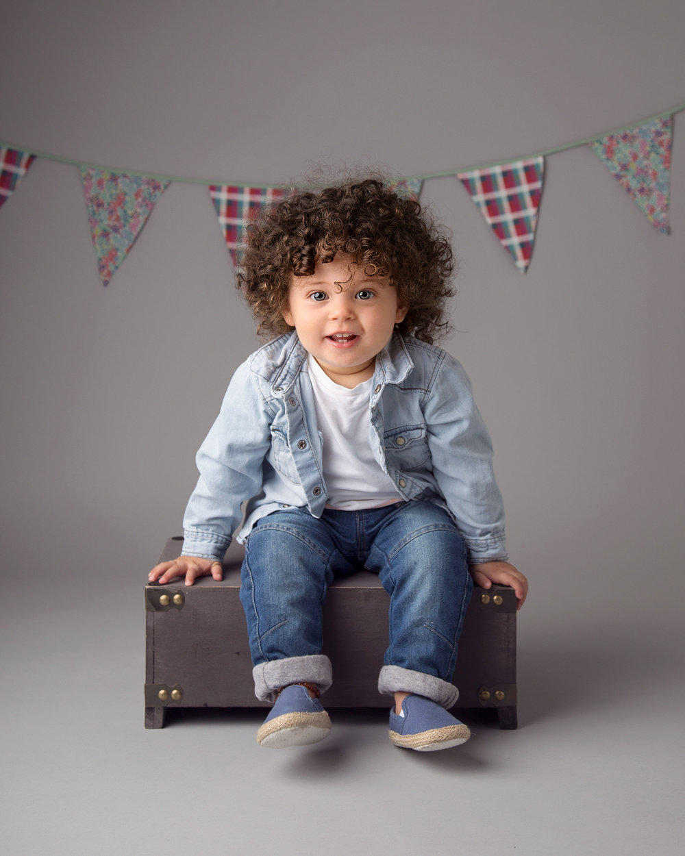 Children's and baby photographer in Gloucestershire.jpg