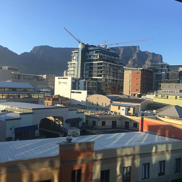 Morning #sunshine #capetown #tablemountain #cityliving #holiday