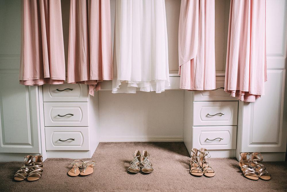 newcastle-clayshed-holly-rose-weddings-EMILYJOE_021(pp_w1880_h1255).jpg