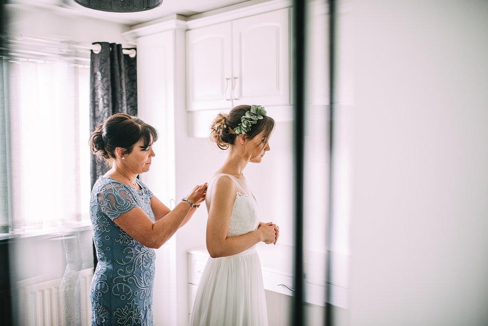 newcastle-clayshed-holly-rose-weddings-EMILYJOE_059(pp_w1880_h1255).jpg