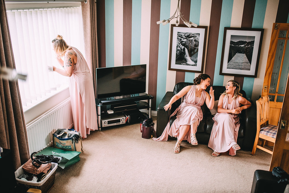 newcastle-clayshed-holly-rose-weddings-EMILYJOE_074(pp_w1880_h1255).jpg