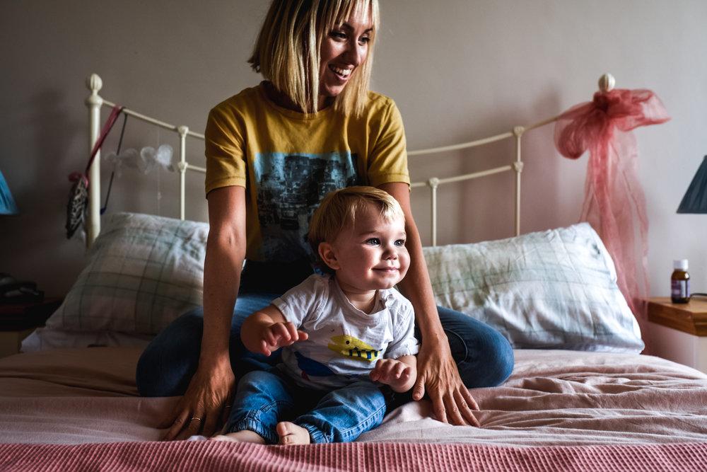 mother-baby-bedroom-home-sessionJPG.JPG