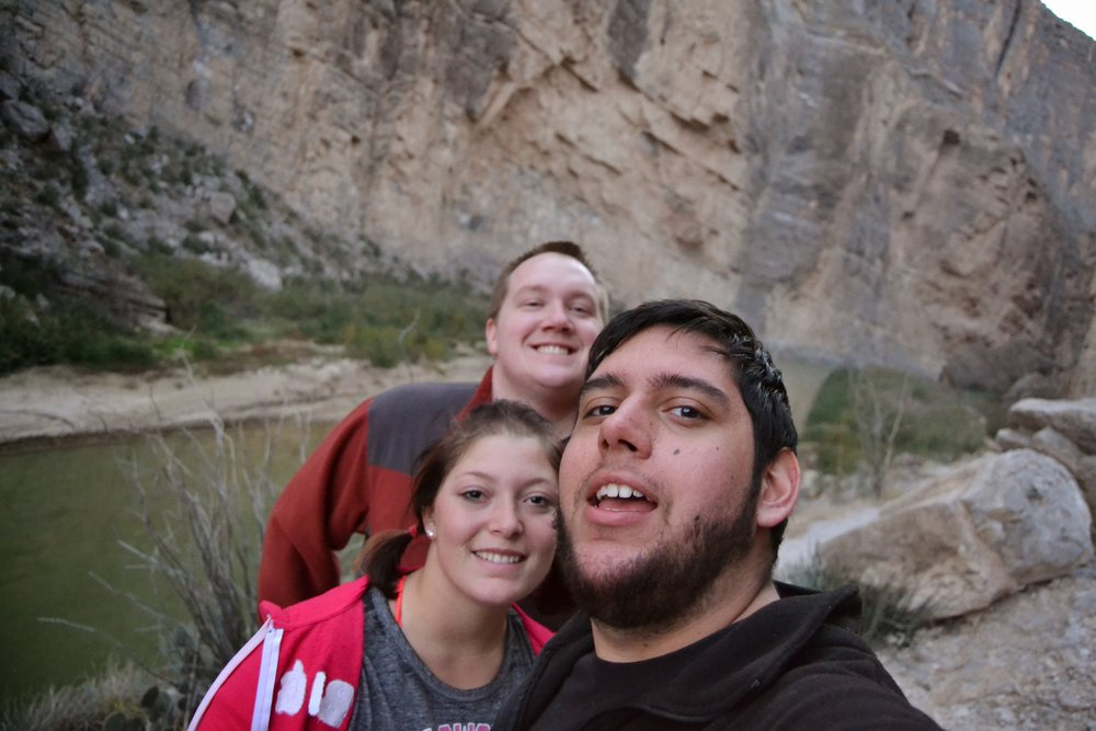 Santa Elena Canyon Trail friendship selfie. <3
