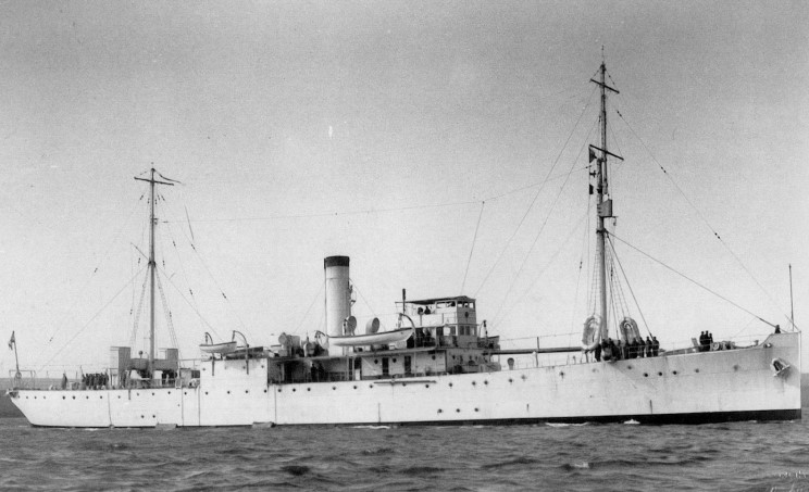 HMS Chrysanthemum, built by Harland & Wolff, Belfast in 1940 Transferred on 26 January 1942 to the Free French Navy as Commandant Drogou. Returned to the RN in May 1947. Sold on 7 August 1947. Resold in 1948 as mercantile Terje 10. Resold in 23 May 1959 to Portugal as hydrographic survey vessel NRP Caravalho Araujo (A524) until 3 September 1975 when she was transfer to Angola's Navy.