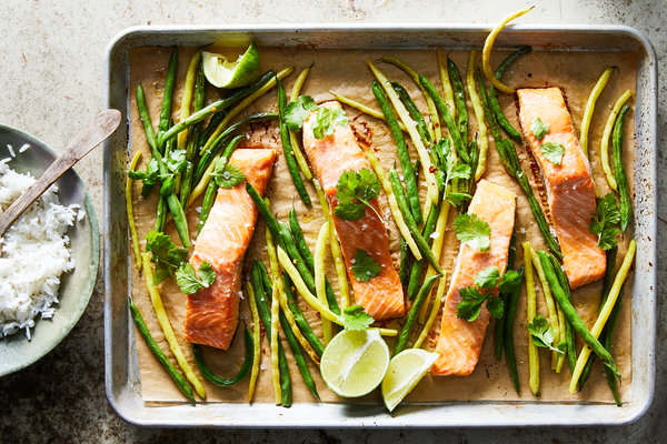 Maple and Miso Sheet-Pan Salmon With Green Beans