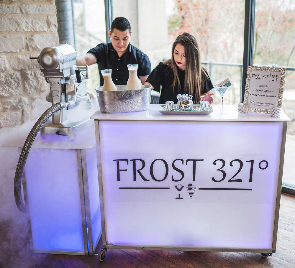 Frost-321-Liquid_Nitrogren_Ice-Cream-05.jpg