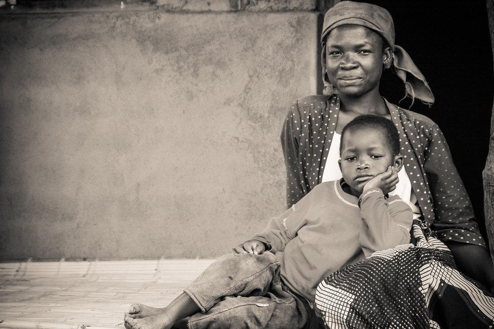 Malawi-Mom-Son-bw.jpg
