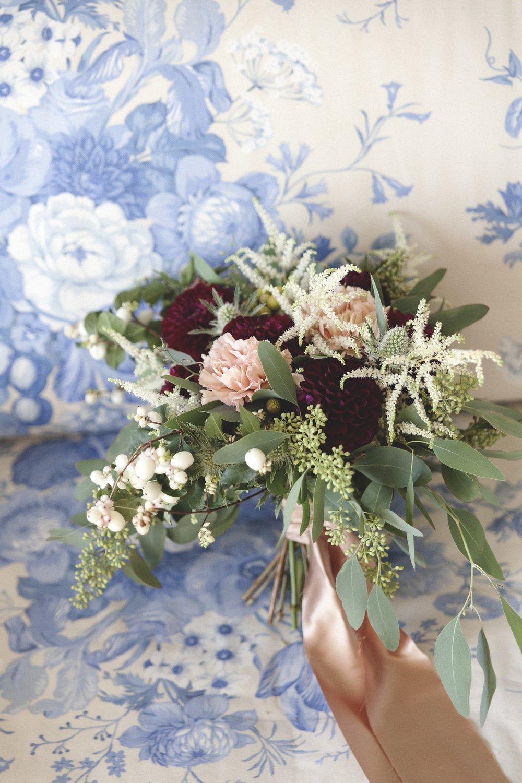 bouquet burgundy