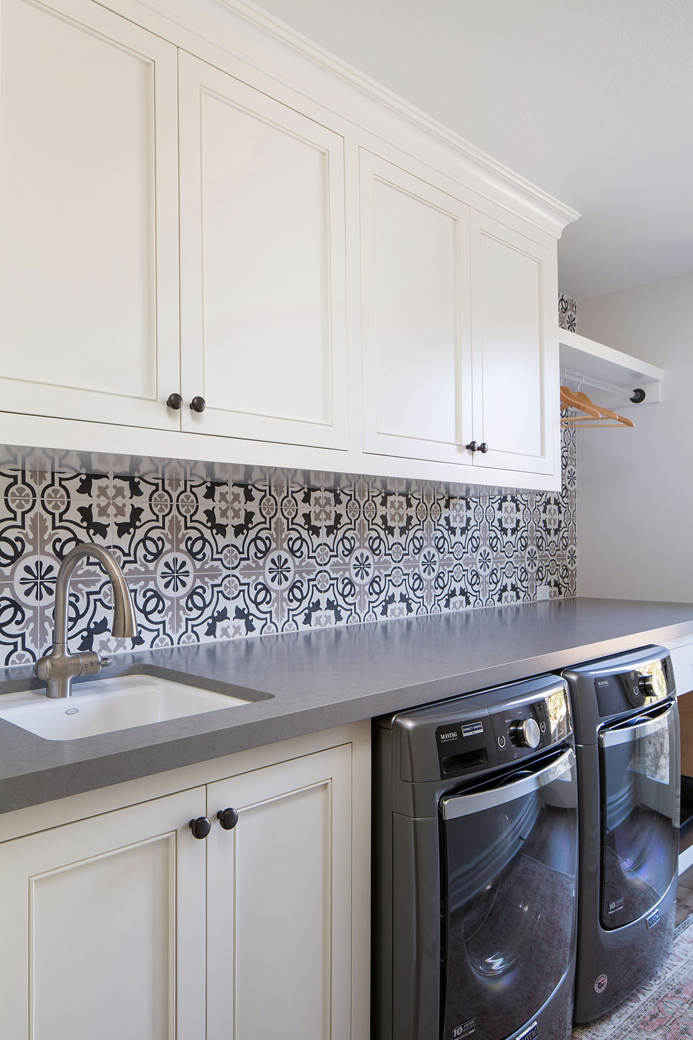 laundry-room-sink-tile-backsplash-osinoff-general-contractors.jpg