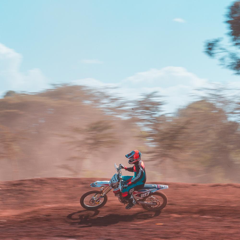 Moto X Round 1-1.jpg