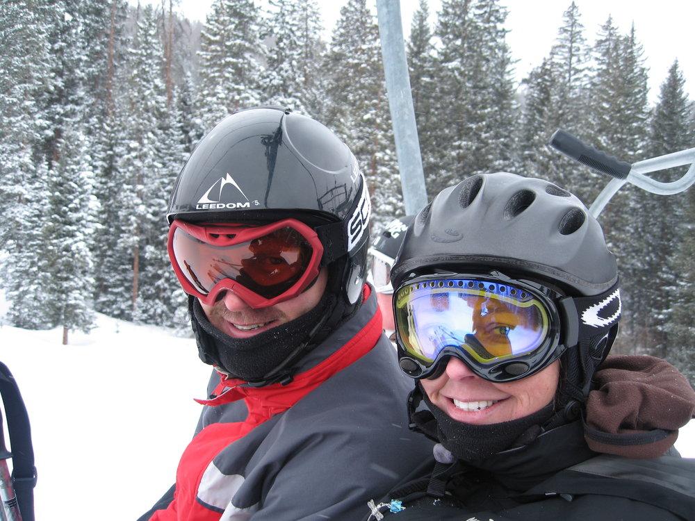 Jen and Randy Skiing.JPG