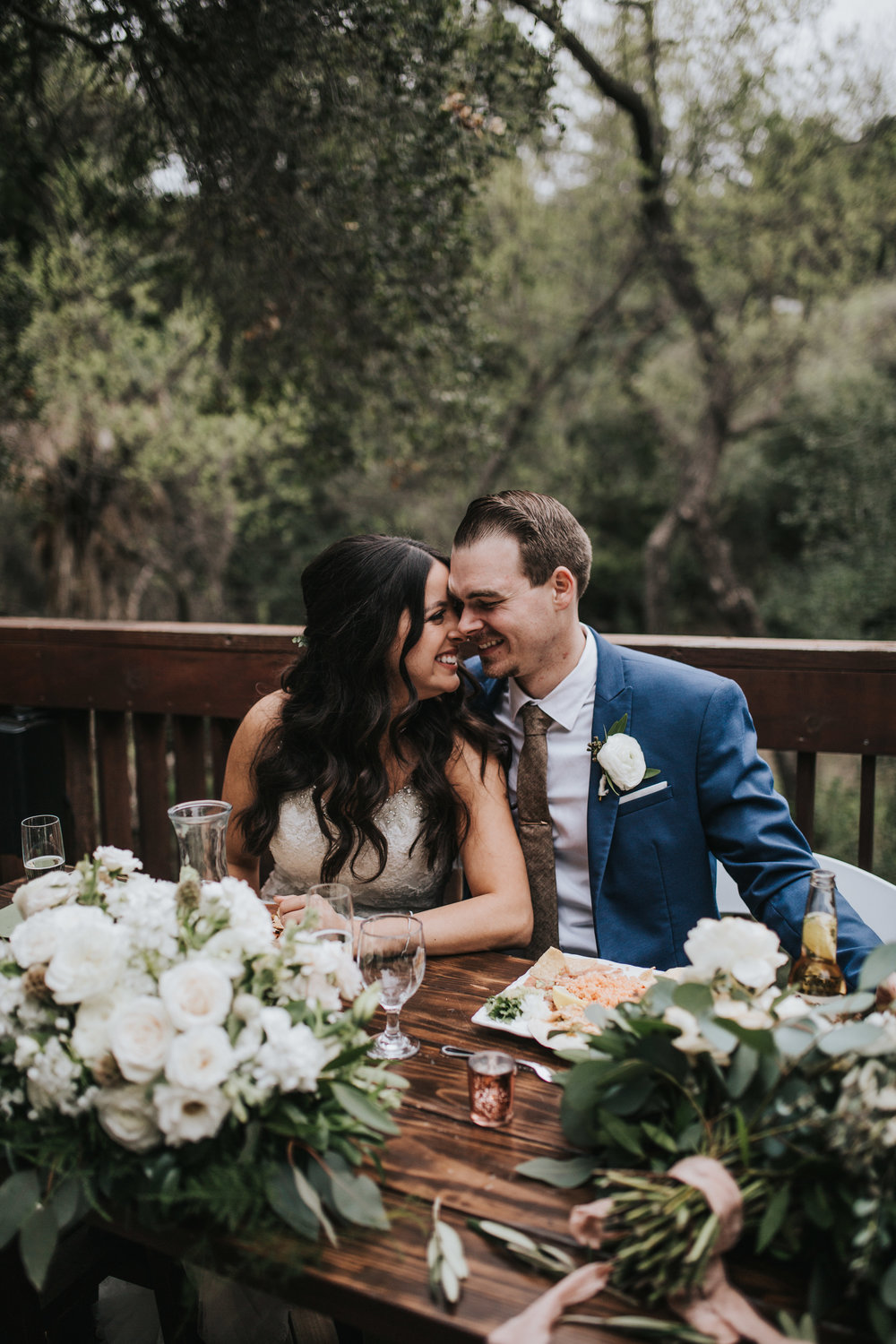The 1909, The 1909 Wedding, Topanga Canyon Wedding, sweetheart table ideas, sweetheart table arrangement, candid wedding photos