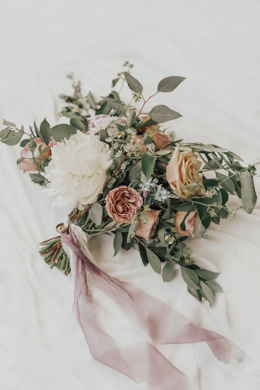 Greystone Mansion, Greystone Mansion Beverly Hills, Beverly Hills Wedding, California Estate Wedding, mauve bridal bouquet, white peony bridal bouquet, mauve silk ribbon, lavender bridal bouquet