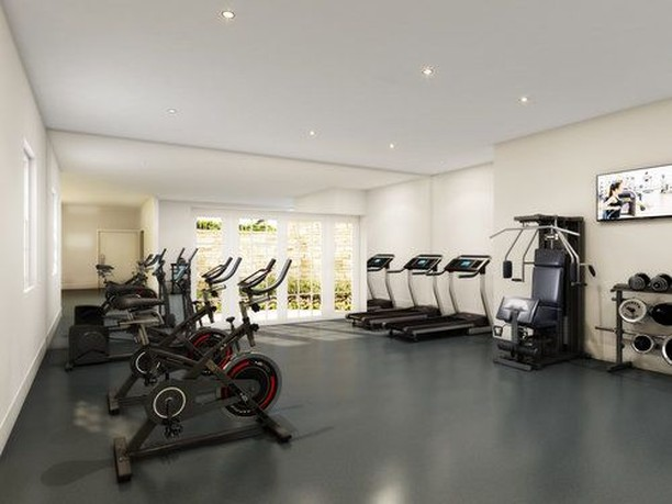 Roslyn Landing residents can enjoy a state-of-the-art fitness center with peloton® bikes. Staying motivated is no sweat with cutting-edge equipment that includes an immersive indoor biking experience. •⠀⠀ •⠀⠀ •⠀⠀ #roslyn #roslynlanding #longisland #goldcoast #newyork #luxury #luxurylifestyle #luxuryrealestate #realestate #amenities #gym #workout #biking #bike #pelotonbike #clubhouse #fitnesscenter #fitness #goals