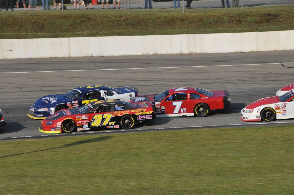 #7 Eric Willams makes it 3-wide and causes #77 Jim Linardy to wreck.jpg