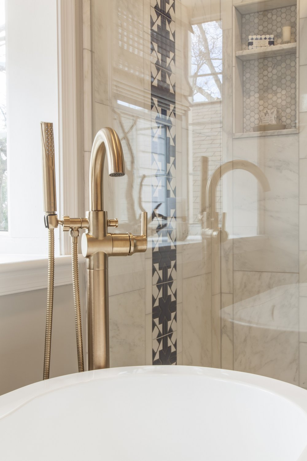 interior-design-luxury-master-bathroom-2.jpg