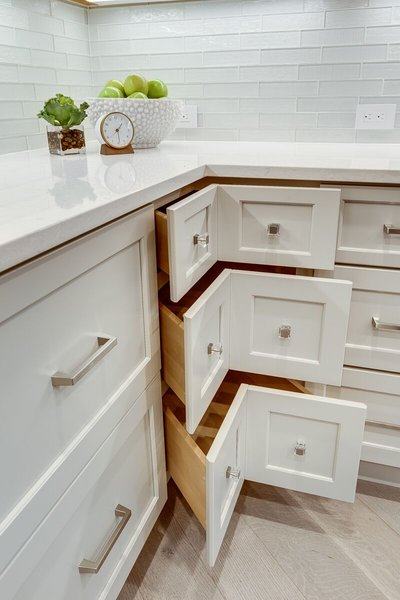 rsz_maria-causey-interior-design-dc-great-falls-redesign-project-after-corner-drawers.jpg