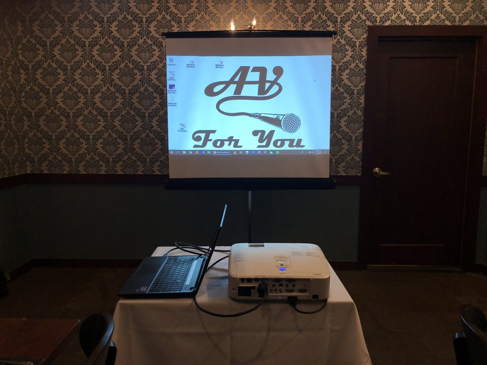 Picture of AV for You projector and screen rental at Murray's in Downtown Minneapolis