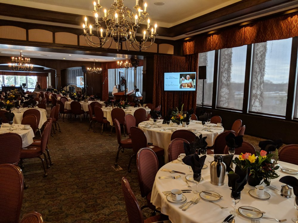Picture of AV for You audio and video rental equipment at Town and Country Club in St Paul