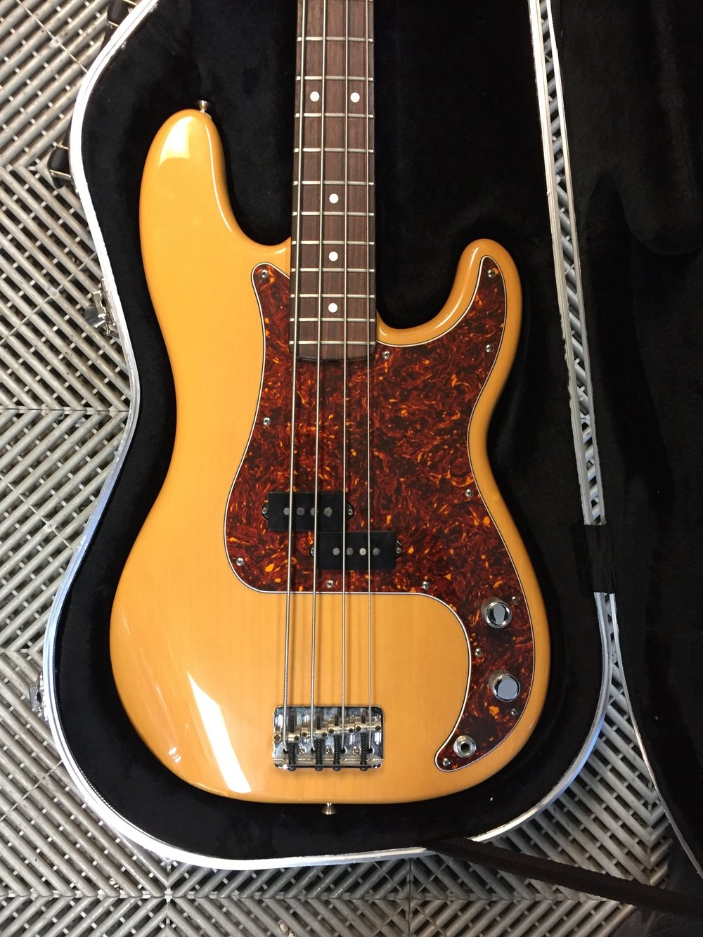 Picture of AV for You Fender Precision Bass available to rent