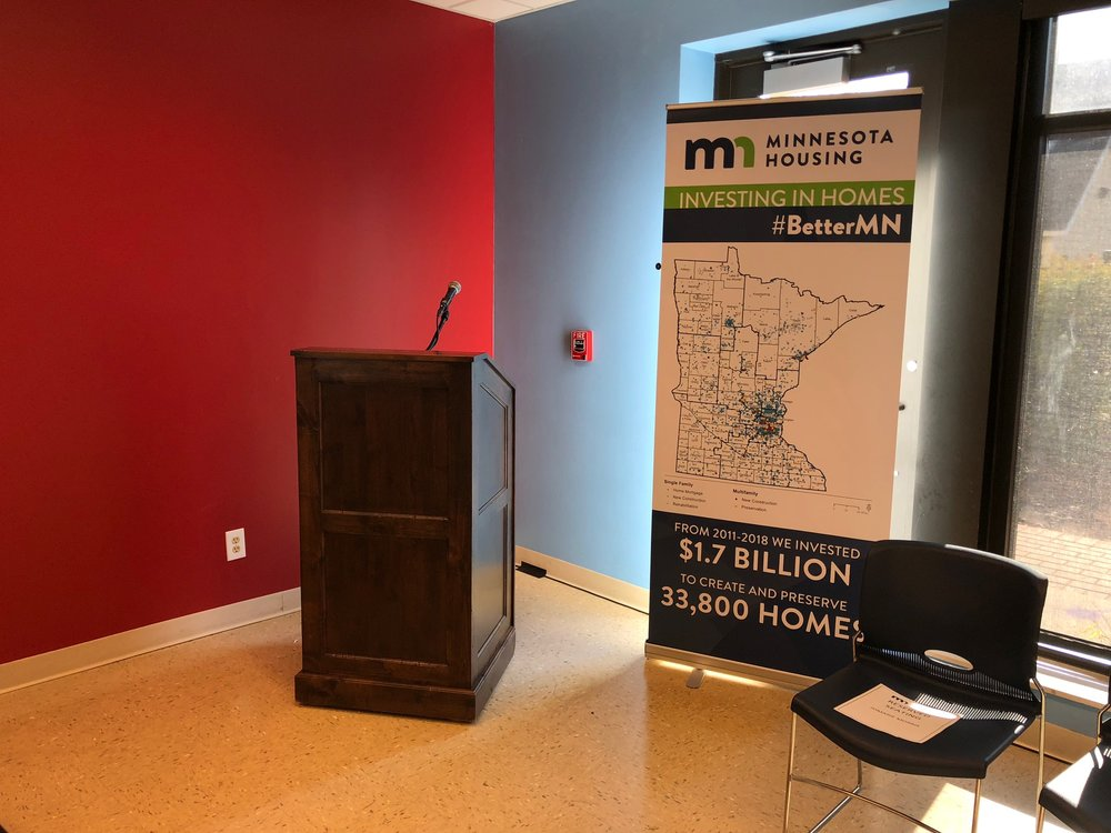 Picture of AV for You wood podium rental at a Press Conference in St Paul