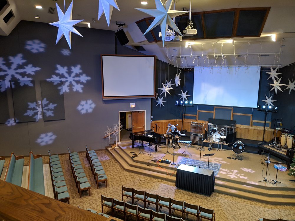Picture of AV for You lighting rental equipment at the Evangelical Free Church in Maplewood