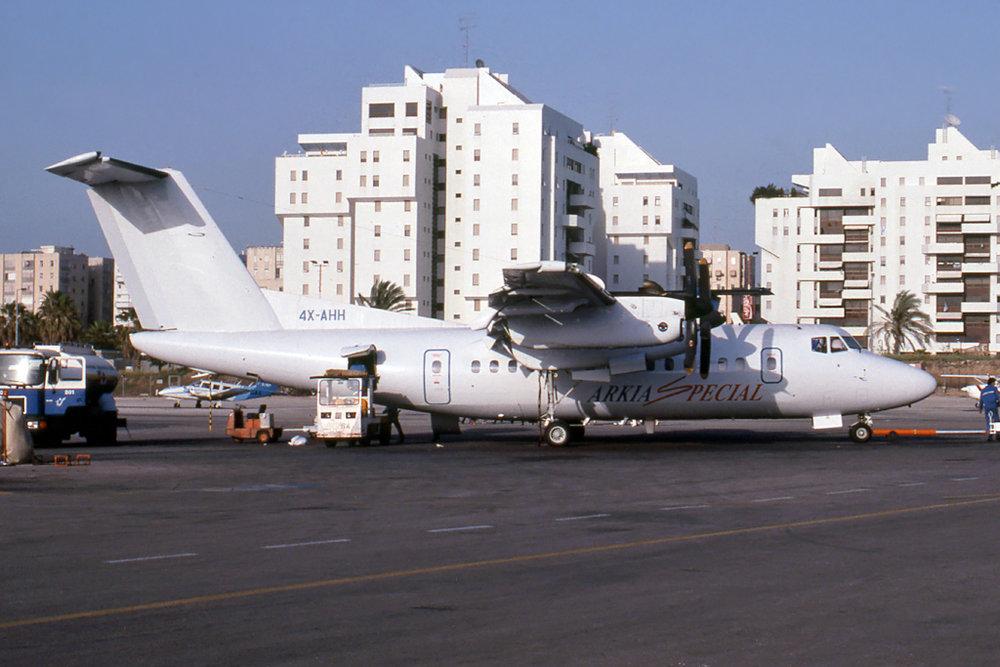 Kenneth I. Swartz/Aeromedia Communications Photo © Tel Aviv-Sde Dov 12-Apr-1994