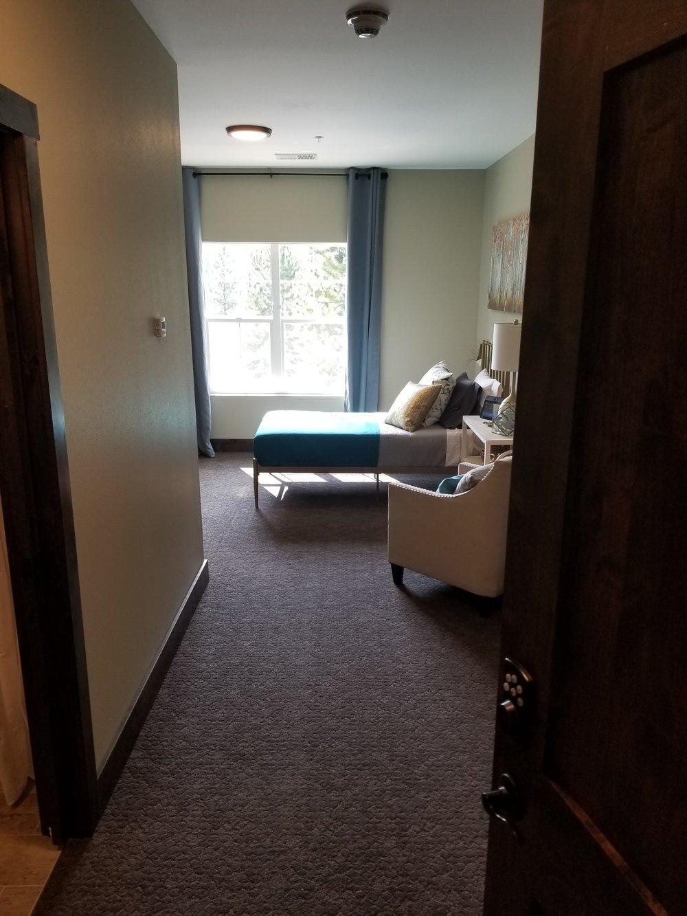 Suite_Entrance.jpg