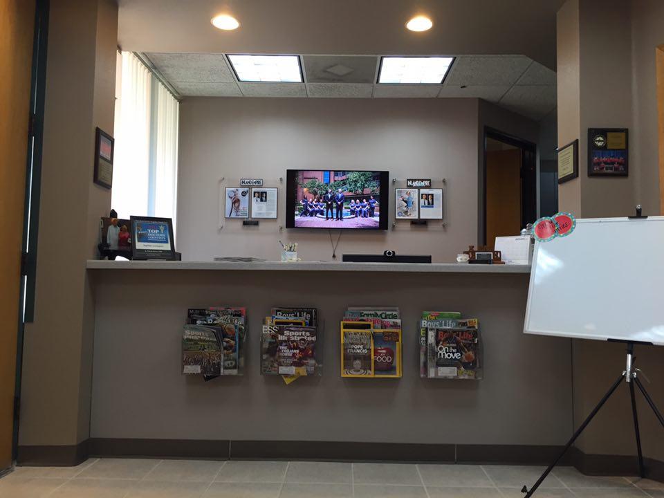 Front-Desk-3.jpg