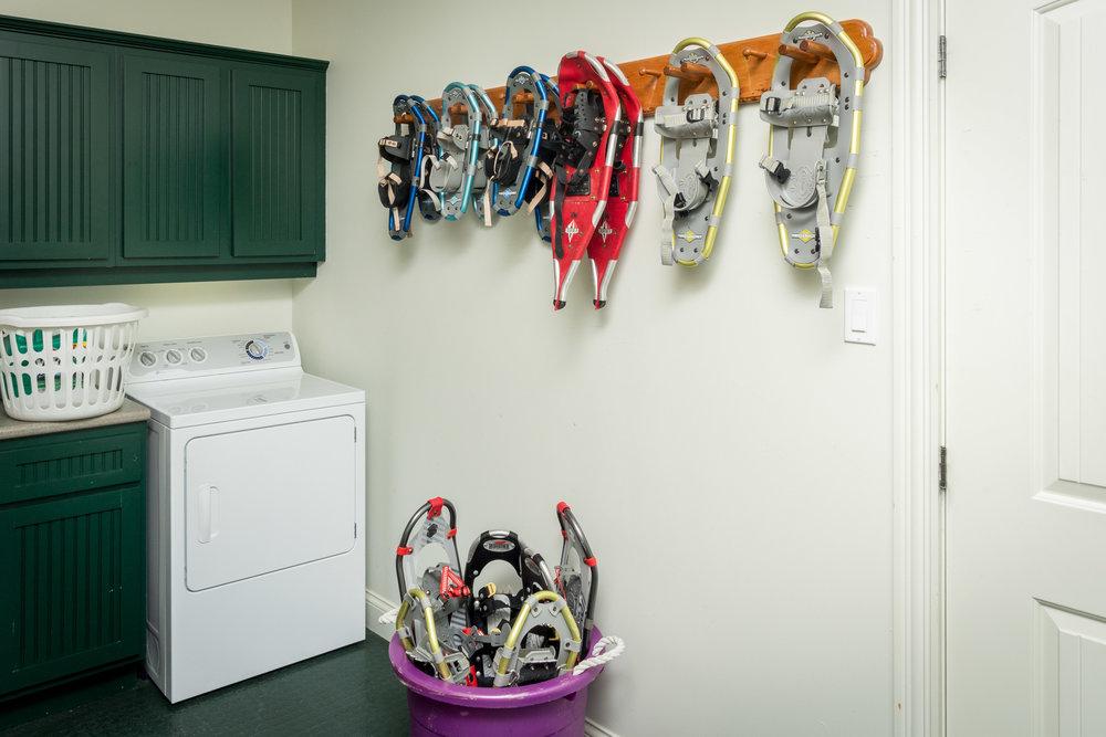 447 snowshoes-1.jpg