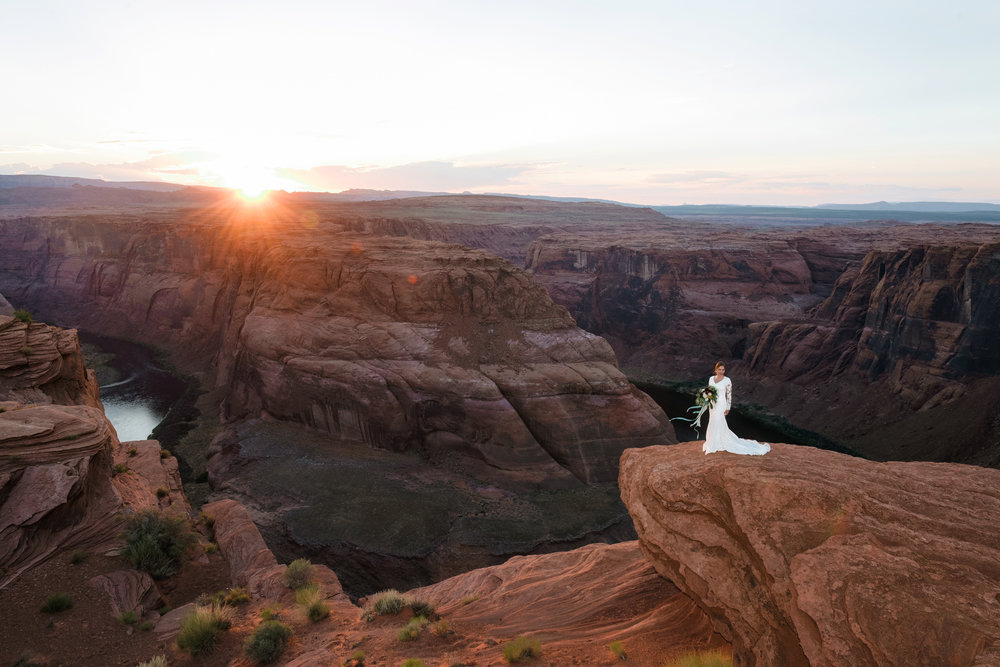 Experience the Spectacular   Horseshoe Bend    Slot Canyon & Overlook     RESERVE YOUR TOUR