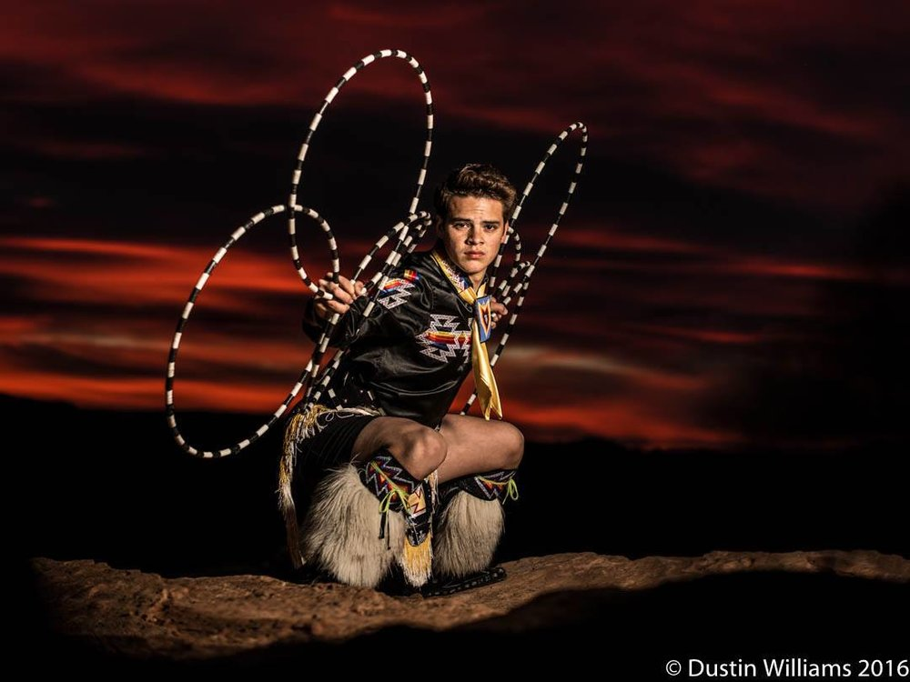 Tomas-Hunt-Hoop-dance.jpg