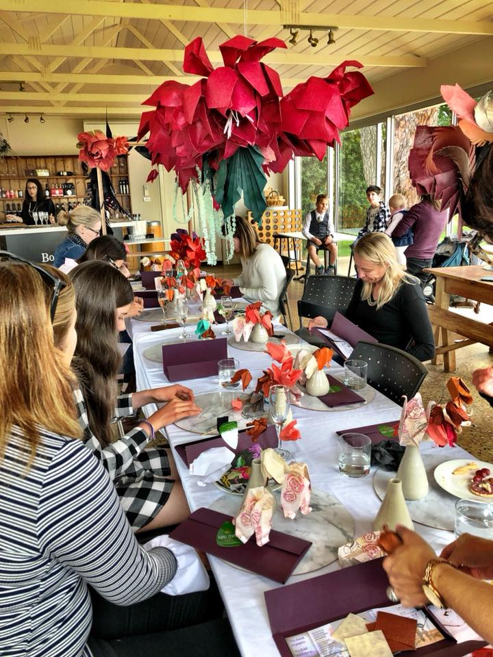 El PAPEL (PAPER) FLOWER-MAKING WORKSHOP HOSTED AT BORAMBOLA WINES
