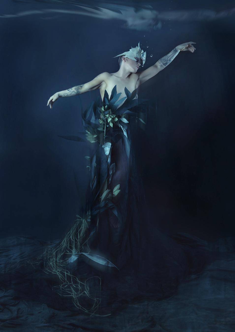 3ba68bb619cae Images by Lori Cicchini / Models Jo Cochrane, Amy-Leigh Knight