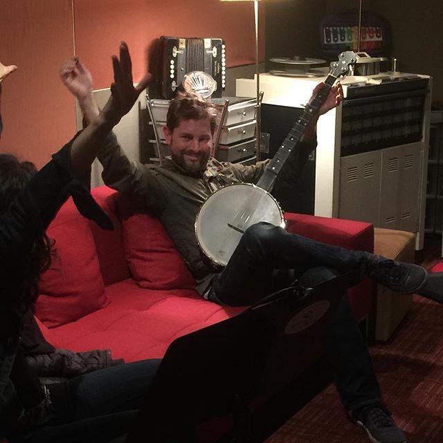 The amazing multi instrumentalist Daniel Berkman on the banjo