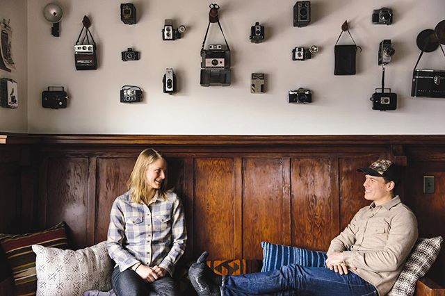 Wedding season is here and this vintage camera wall is def 📸 worthy!!! - - - - - - - - #flashonflash #cameralove #pnw #weddingseason #pnwonderland #hoodriver #oregon #campvibes #lodge #bedandbreakfast #adventure #getoutside #welcome #wanderlust #vintage 📷 @chelseaparrett  Design by @katiebalmanno