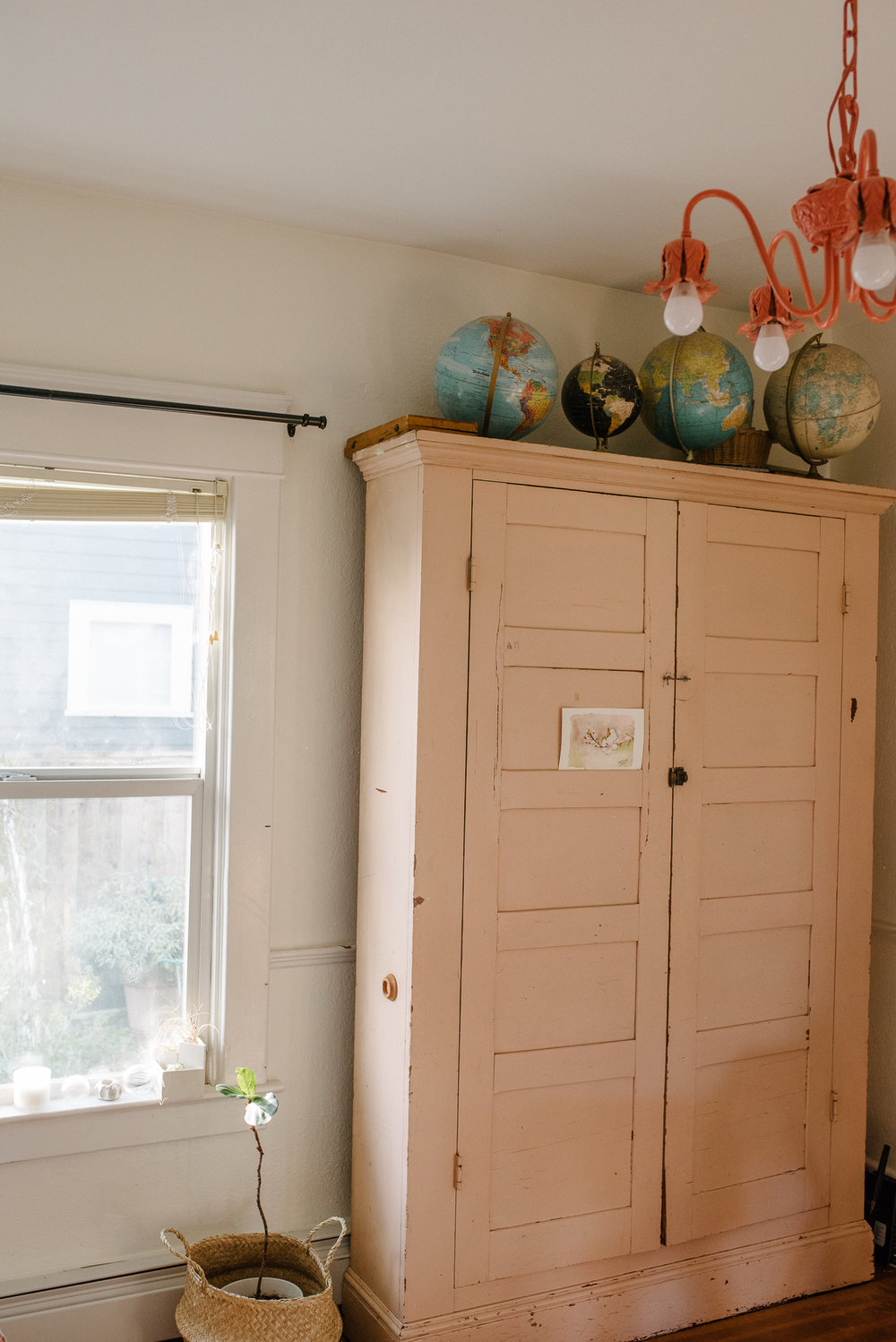 A TACOMA PHOTOGRAPHER EMBRACES THE SPACE SHE'S IN - #mywholehome