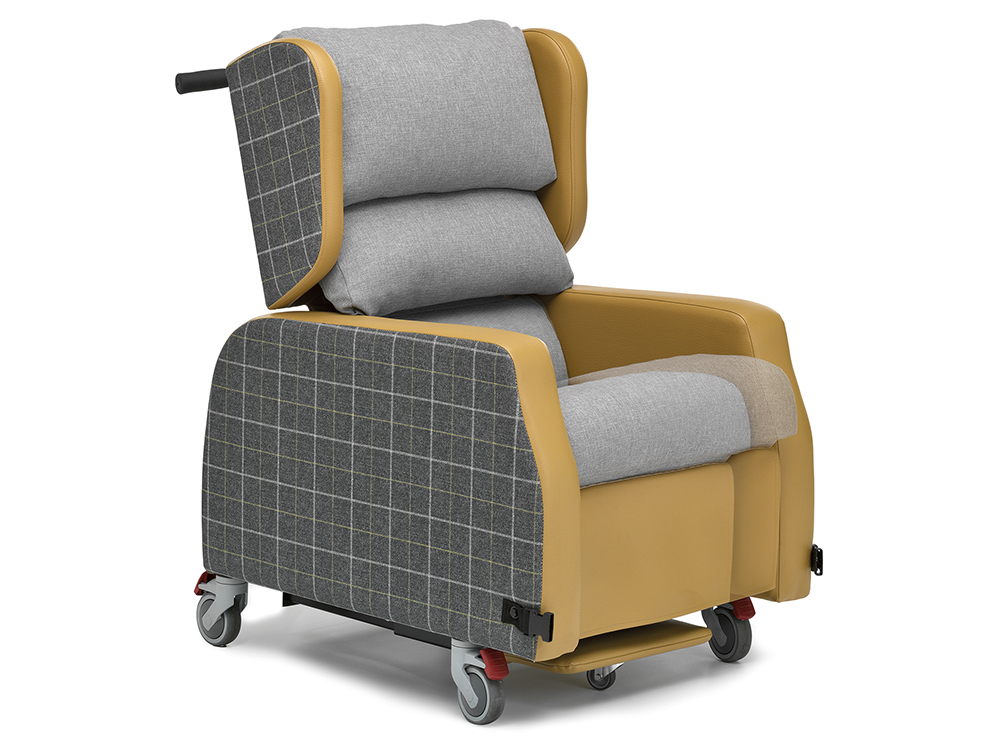 OSKA® Pressure Care Seating_OSKA Orient Pressure Care Seating_Adjust depth