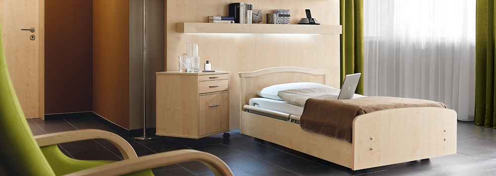 OSKA® Pressure Care Nursing Bed_Sentida  4 Pressure Care Nursing Bed_Roomscene