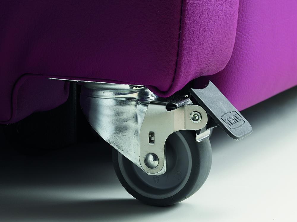 OSKA® Pressure Care Seating_OSKA OverNight Pressure Care Chair_Castors
